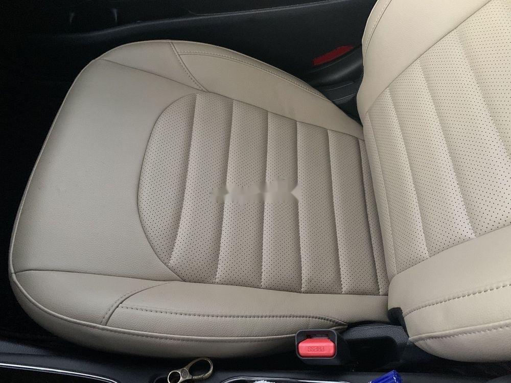 Bán xe Kia Cerato MT đời 2018, màu đỏ chính chủ (7)