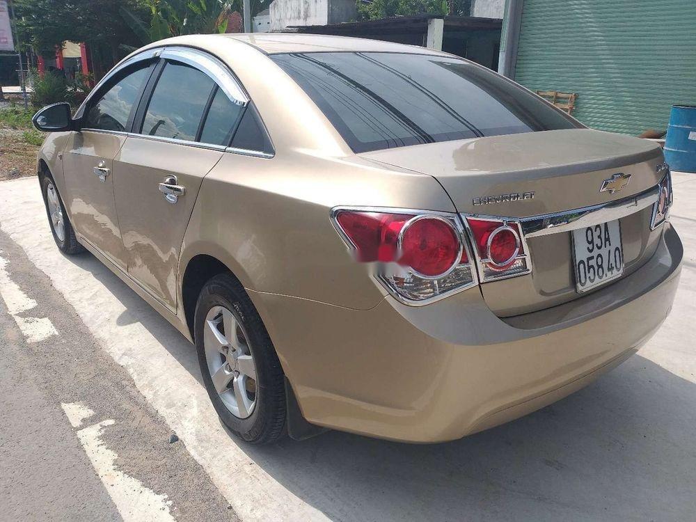 Bán Chevrolet Cruze năm sản xuất 2010 chính chủ, số sàn (2)