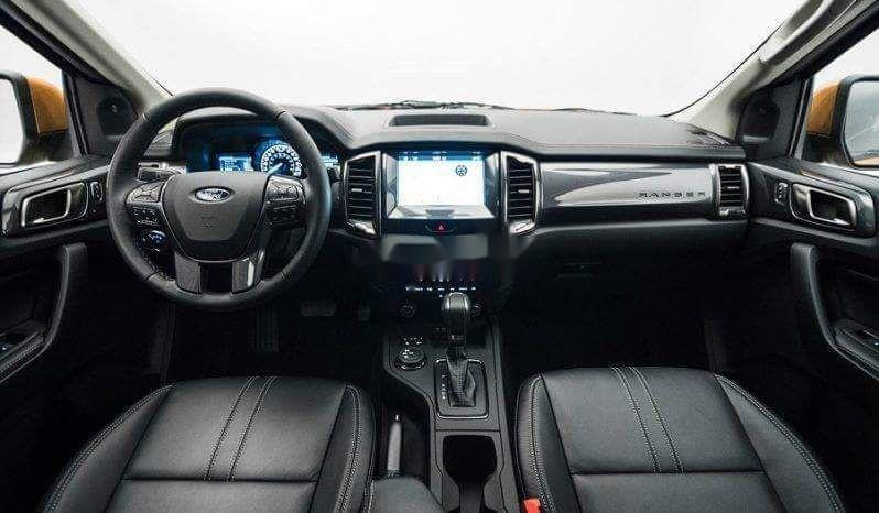 Bán ô tô Ford Everest đời 2019, màu đen, nhập khẩu nguyên chiếc (5)