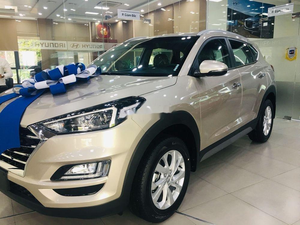 Cần bán xe Hyundai Tucson năm sản xuất 2019, giá ưu đãi (2)