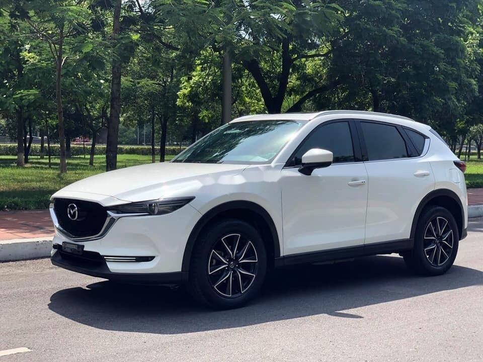 Cần bán xe Mazda CX 5 2.0 đời 2018, màu trắng xe gia đình (2)