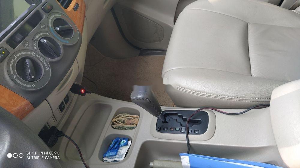 Bán Toyota Innova sản xuất 2011, màu bạc số tự động, giá tốt (8)