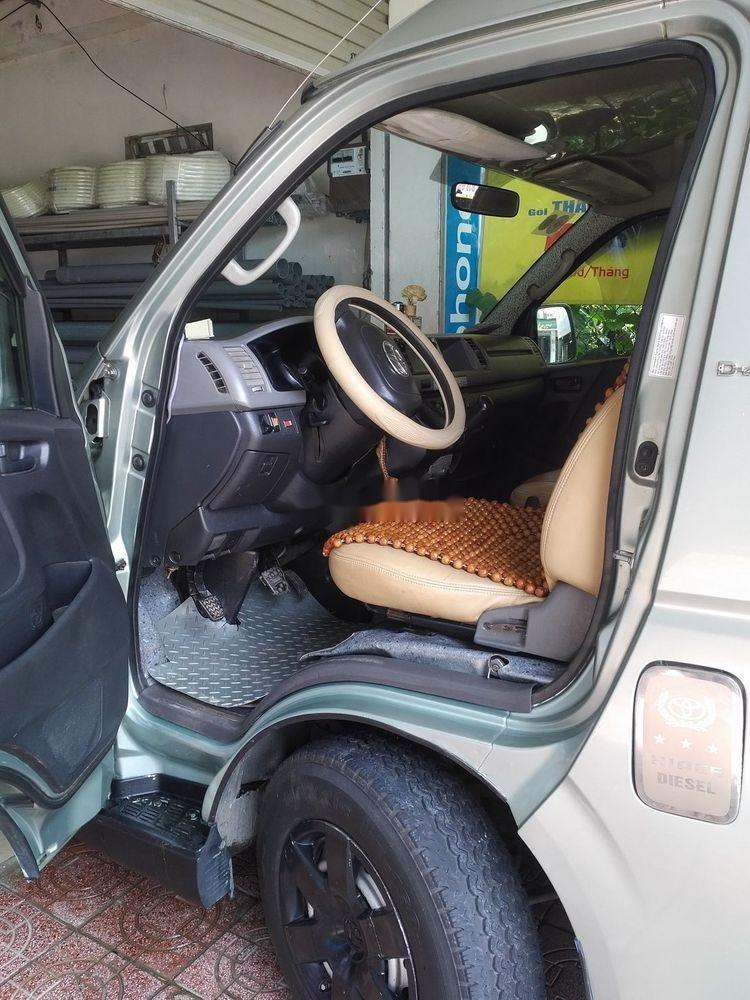 Cần bán lại xe Toyota Hiace năm sản xuất 2010 (2)