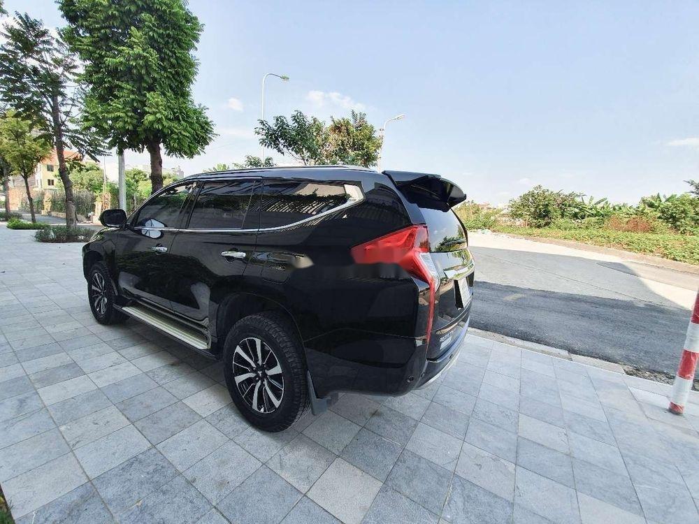 Bán ô tô Mitsubishi Pajero sản xuất 2017, nhập khẩu chính hãng (11)