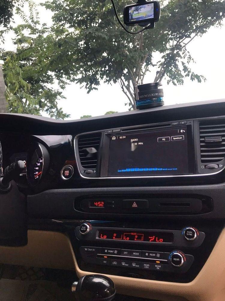 Cần bán Kia Sedona năm sản xuất 2016, xe nguyên bản (6)