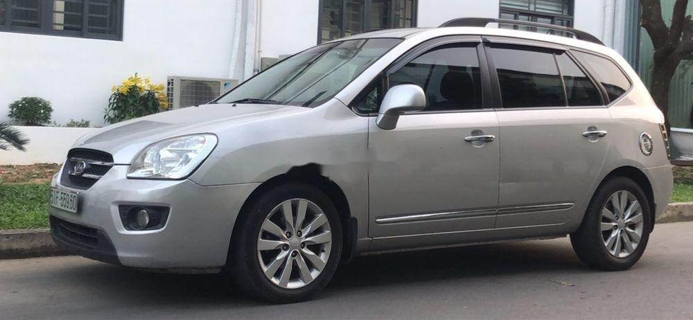 Bán xe Kia Carens 2.0 2010, màu bạc, giá tốt (2)