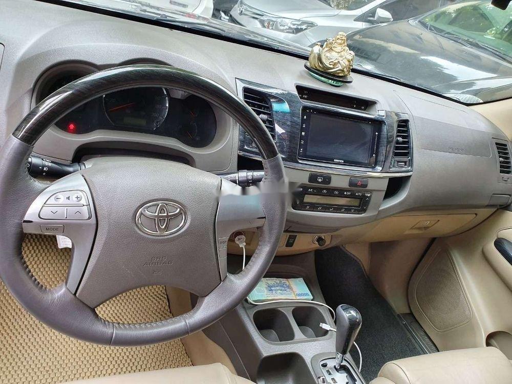 Cần bán xe Toyota Fortuner đời 2012 số tự động (6)