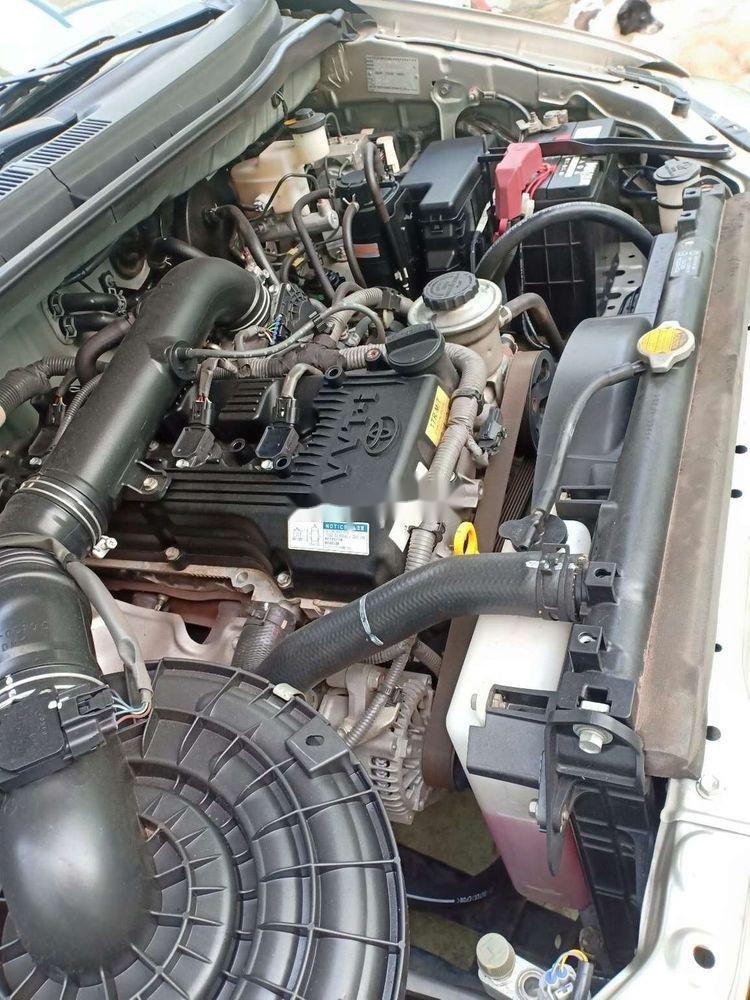 Bán xe Toyota Innova E năm 2014, nhập khẩu nguyên chiếc xe gia đình, giá tốt (9)