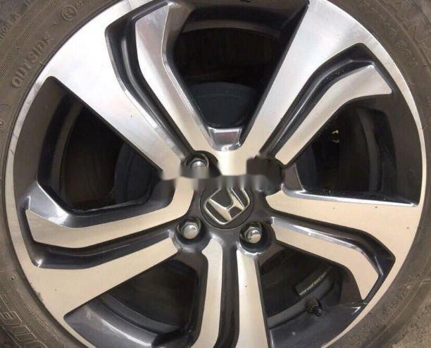 Cần bán Honda City sản xuất năm 2017, màu trắng (3)