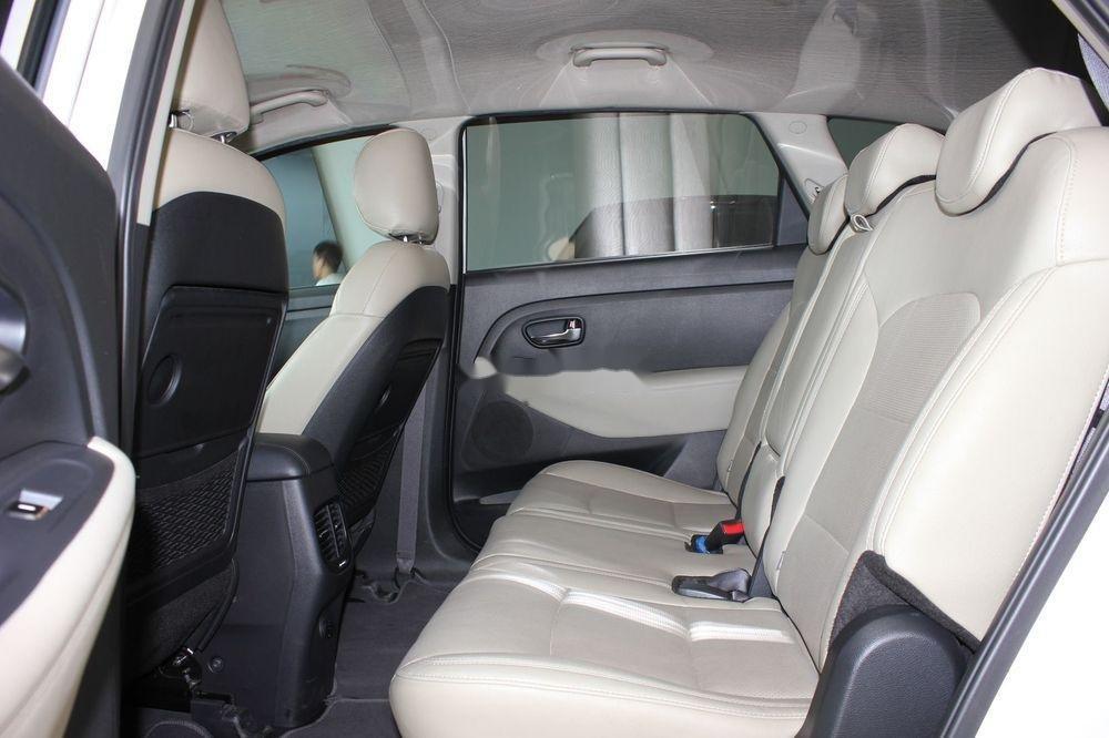 Cần bán Kia Rondo 2.0GAT sản xuất năm 2018, màu trắng (11)