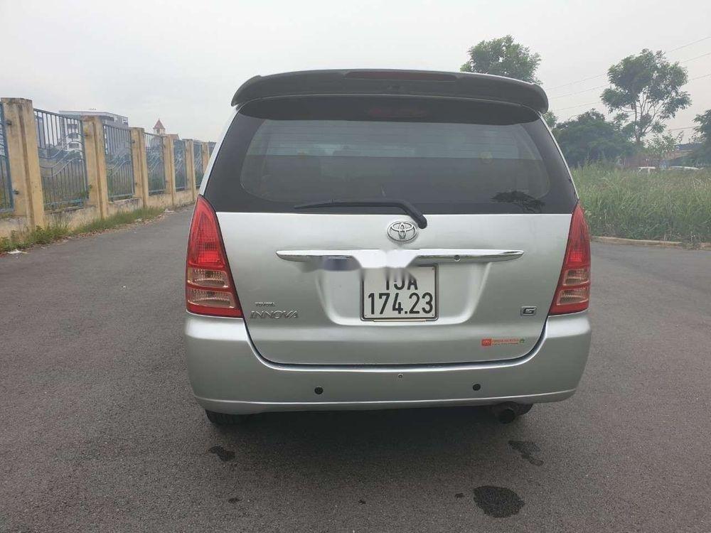 Cần bán gấp Toyota Innova đời 2007, màu bạc xe nguyên bản (12)