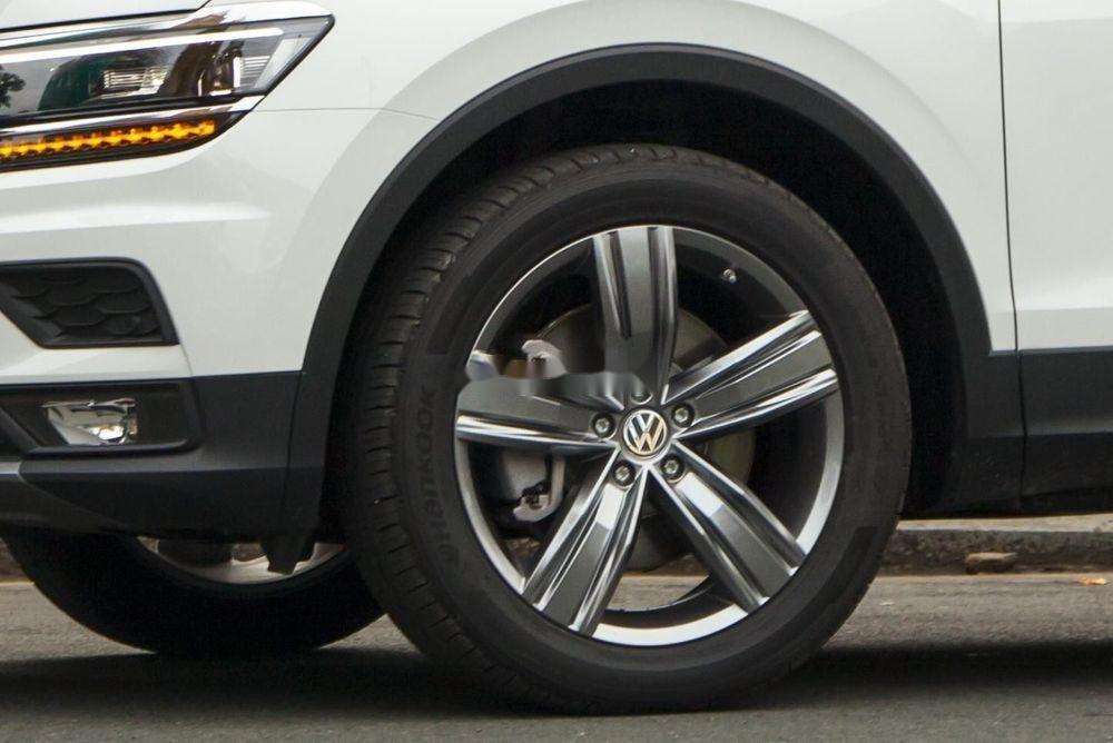 Cần bán Volkswagen Tiguan Allspace sx 2019, tính năng hiện đại (3)