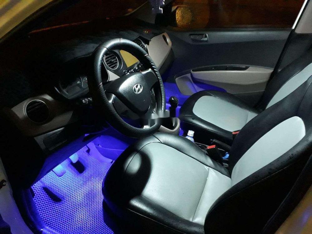 Cần bán lại xe Hyundai Grand i10 đời 2014, màu trắng, xe nhập xe gia đình, giá tốt (9)