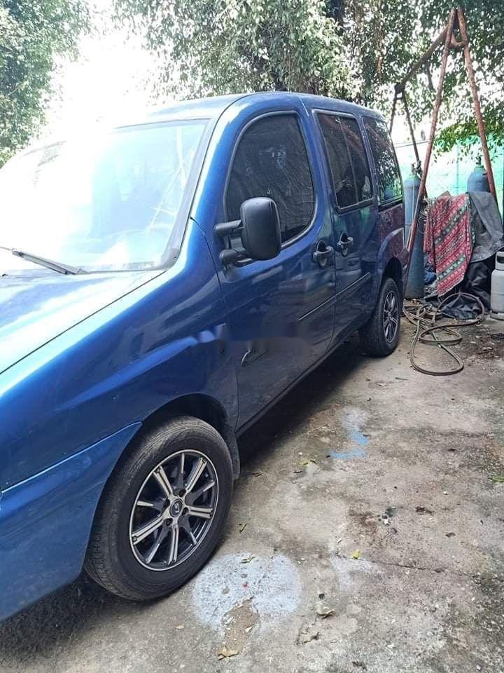 Cần bán gấp Fiat Doblo 2004, màu xanh lam, nhập khẩu nguyên chiếc số sàn (4)
