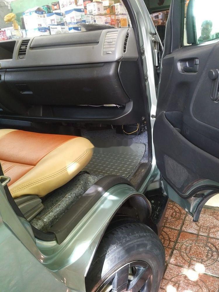 Cần bán lại xe Toyota Hiace năm sản xuất 2010 (3)