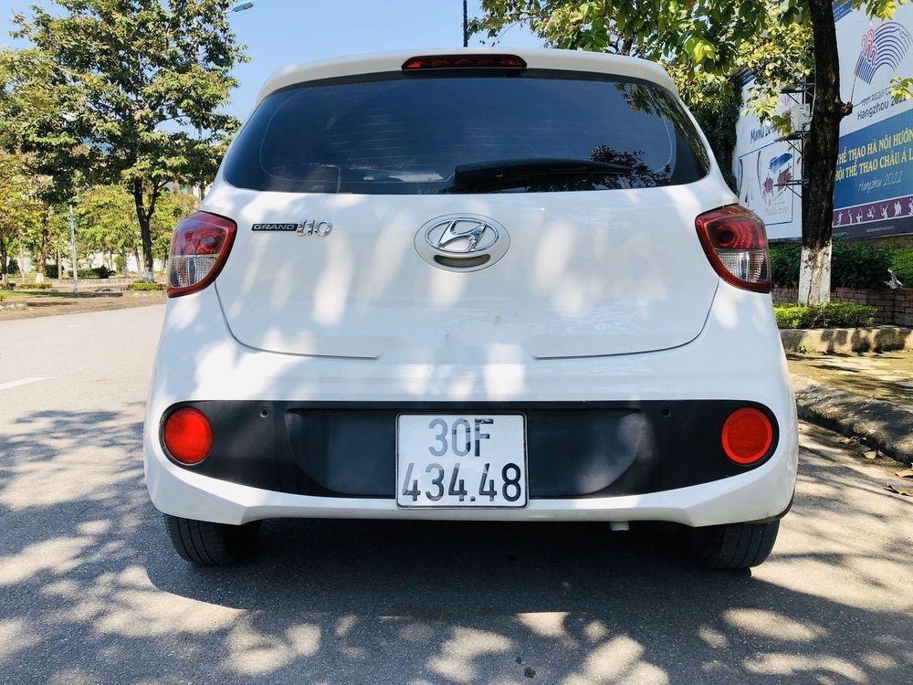 Bán xe Hyundai Grand i10 AT năm sản xuất 2017, màu trắng, xe nhập chính chủ giá cạnh tranh (8)