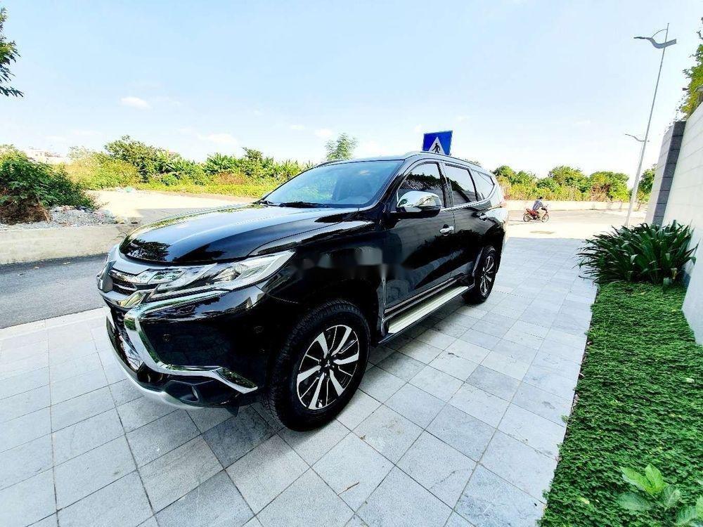 Bán ô tô Mitsubishi Pajero sản xuất 2017, nhập khẩu chính hãng (1)