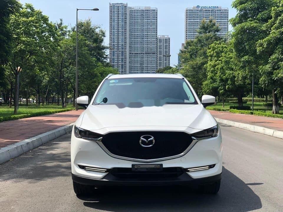 Cần bán xe Mazda CX 5 2.0 đời 2018, màu trắng xe gia đình (1)