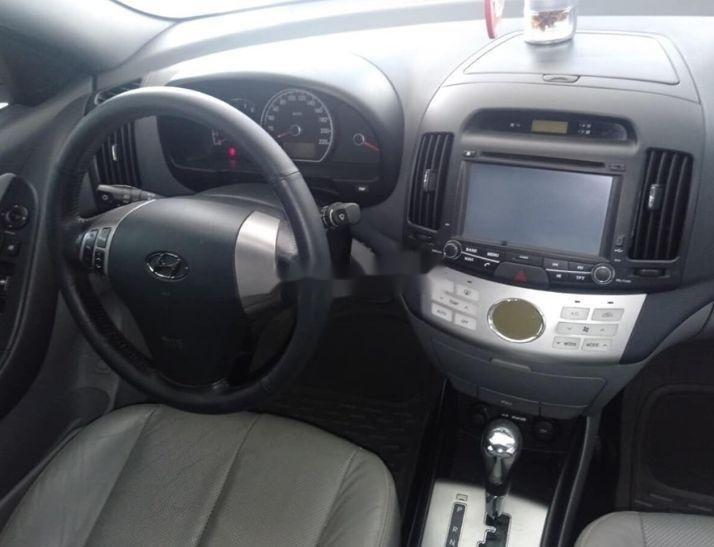 Cần bán gấp Hyundai Avante sản xuất năm 2014, xe nguyên bản (3)