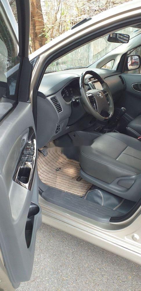 Bán xe Toyota Innova E sản xuất 2013 (5)