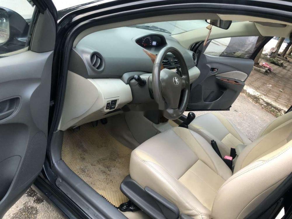 Cần bán gấp Toyota Vios năm sản xuất 2010, màu đen xe nguyên bản (3)