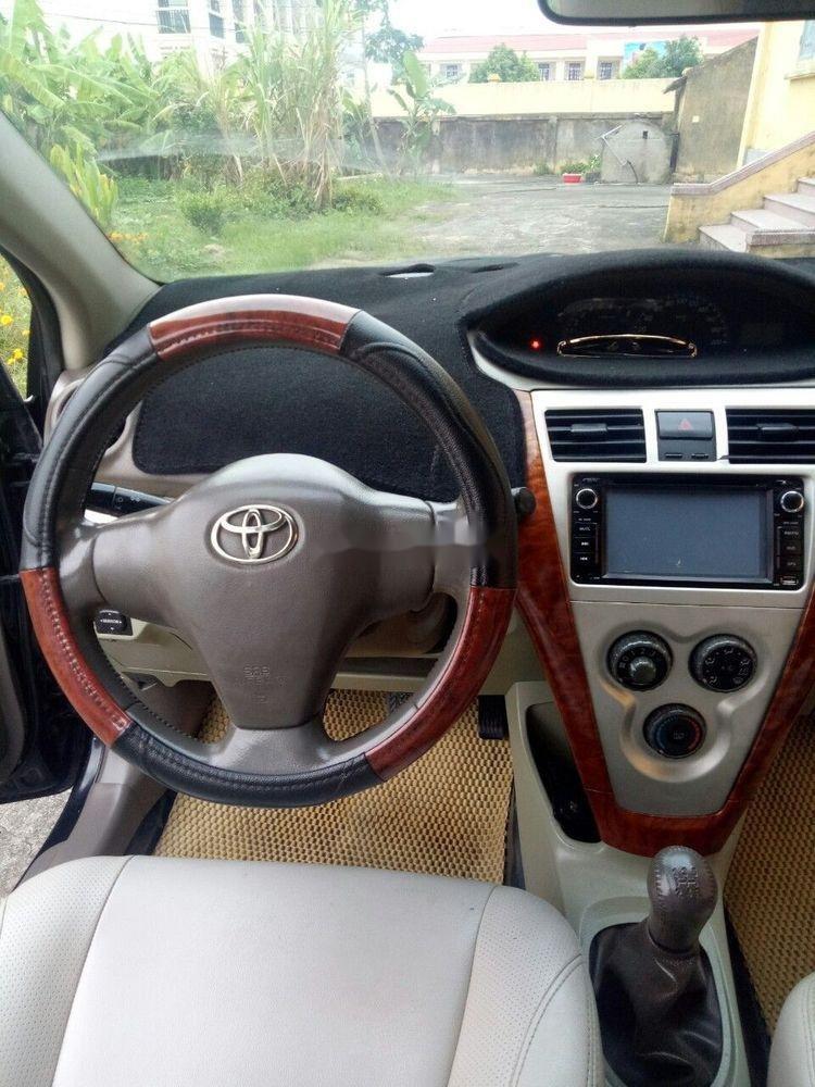 Bán Toyota Vios năm 2010, màu đen, giá tốt (2)
