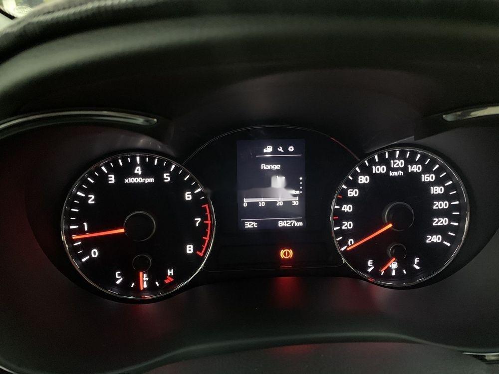 Bán xe Kia Cerato MT đời 2018, màu đỏ chính chủ (5)