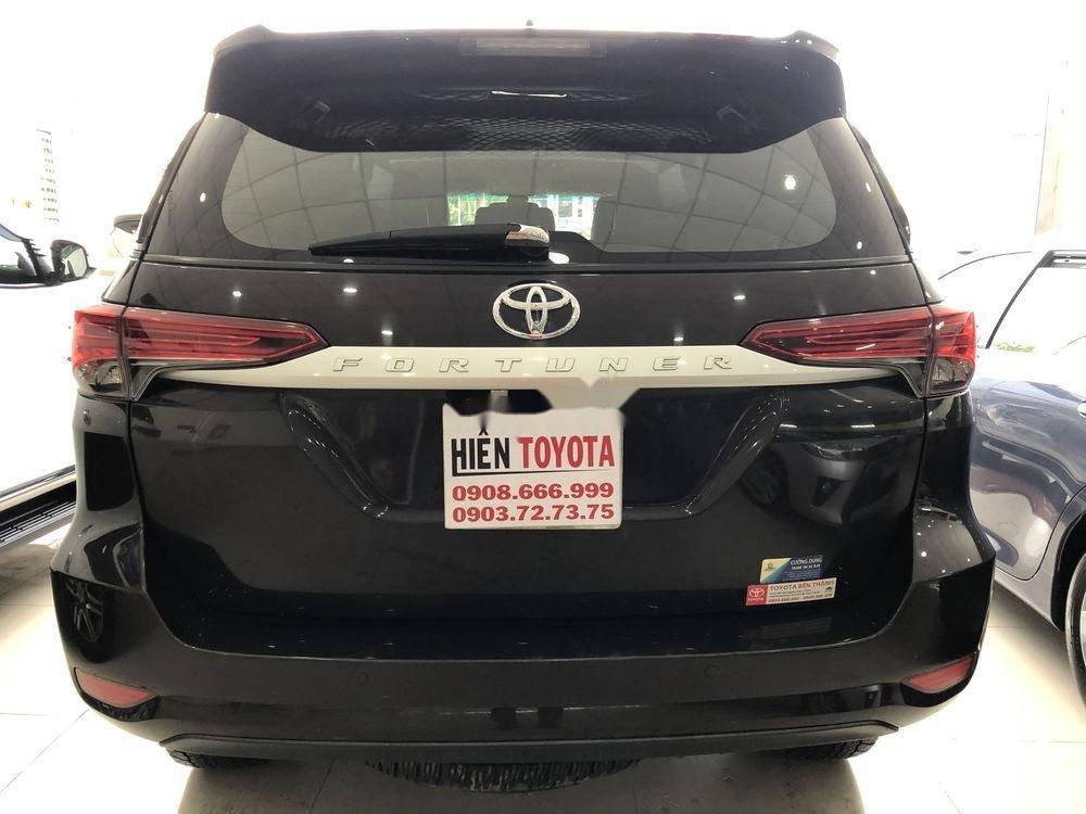 Bán xe Toyota Fortuner sản xuất năm 2017, xe nhập chính hãng (4)