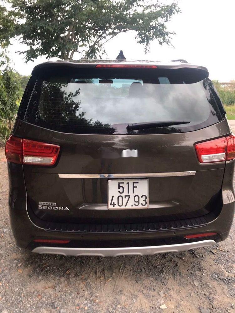 Cần bán Kia Sedona năm sản xuất 2016, xe nguyên bản (7)