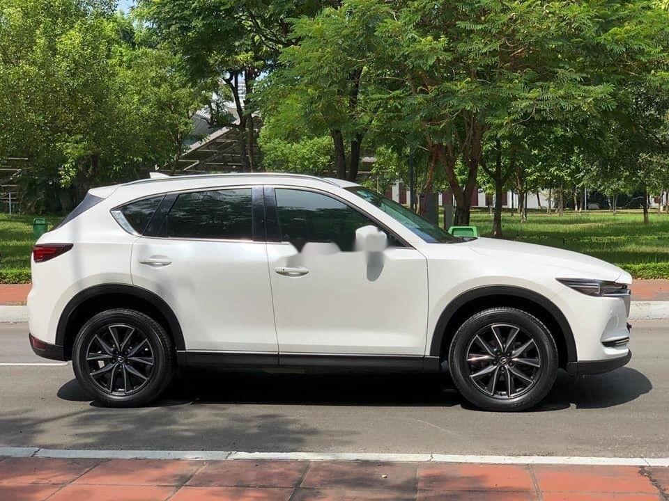 Cần bán xe Mazda CX 5 2.0 đời 2018, màu trắng xe gia đình (4)