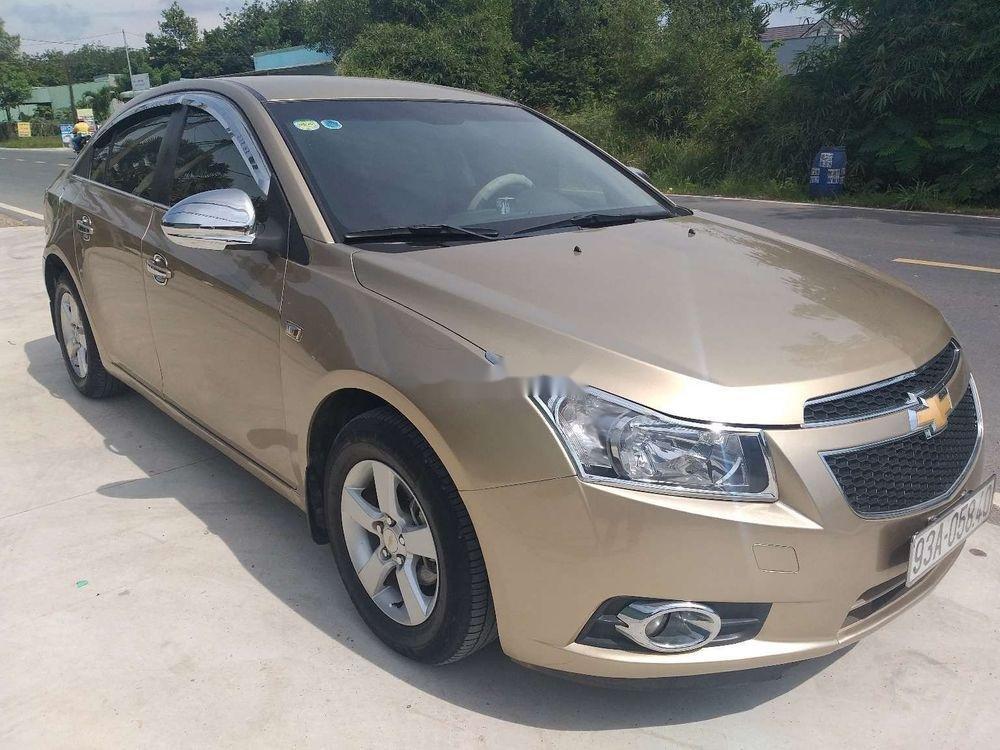 Bán Chevrolet Cruze năm sản xuất 2010 chính chủ, số sàn (4)