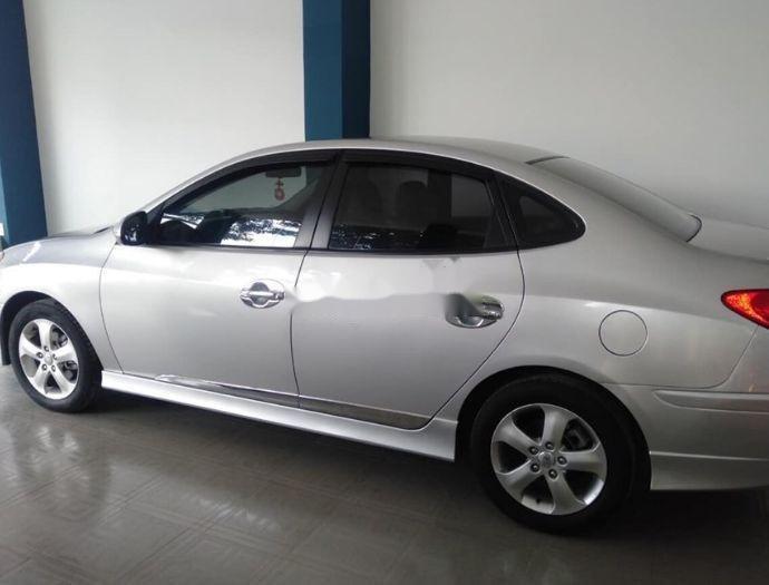 Cần bán gấp Hyundai Avante sản xuất năm 2014, xe nguyên bản (2)