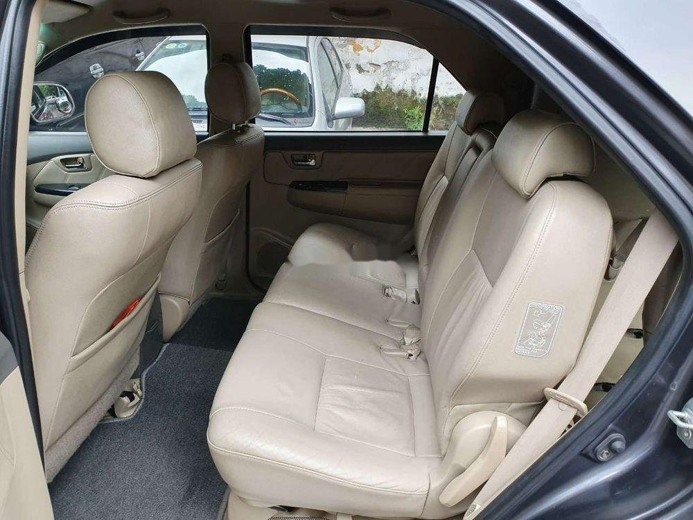 Cần bán xe Toyota Fortuner đời 2012 số tự động (5)