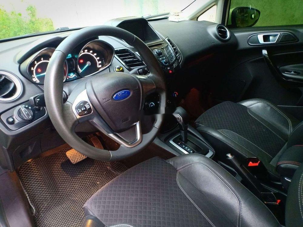 Cần bán lại xe Ford Fiesta đời 2017, màu trắng xe nguyên bản (7)