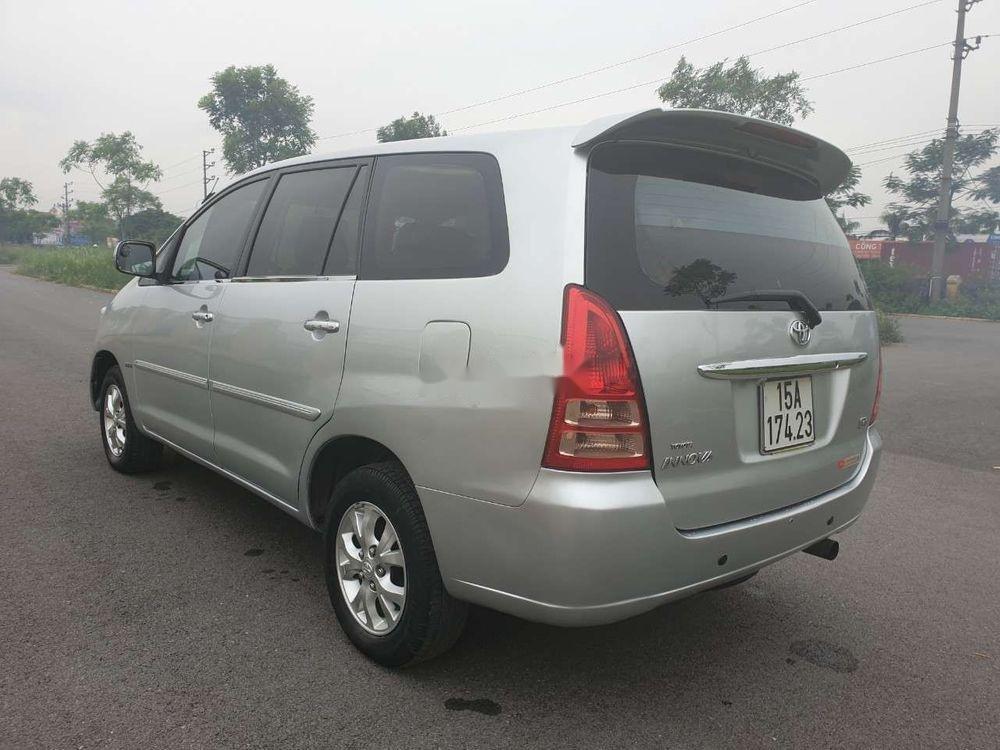 Cần bán gấp Toyota Innova đời 2007, màu bạc xe nguyên bản (7)