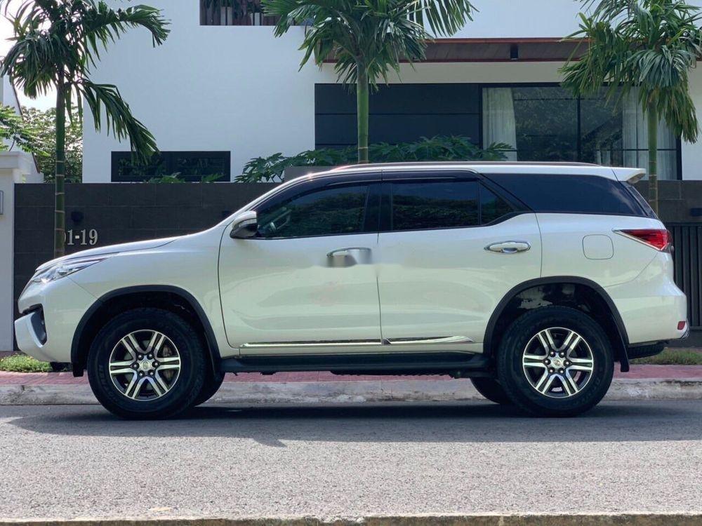 Cần bán xe Toyota Fortuner đời 2017, màu trắng, xe nhập chính hãng (4)