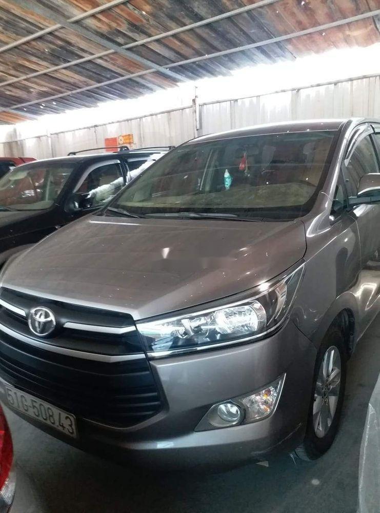 Bán Toyota Innova sản xuất năm 2017 chính chủ, giá 650tr xe nguyên bản. (1)