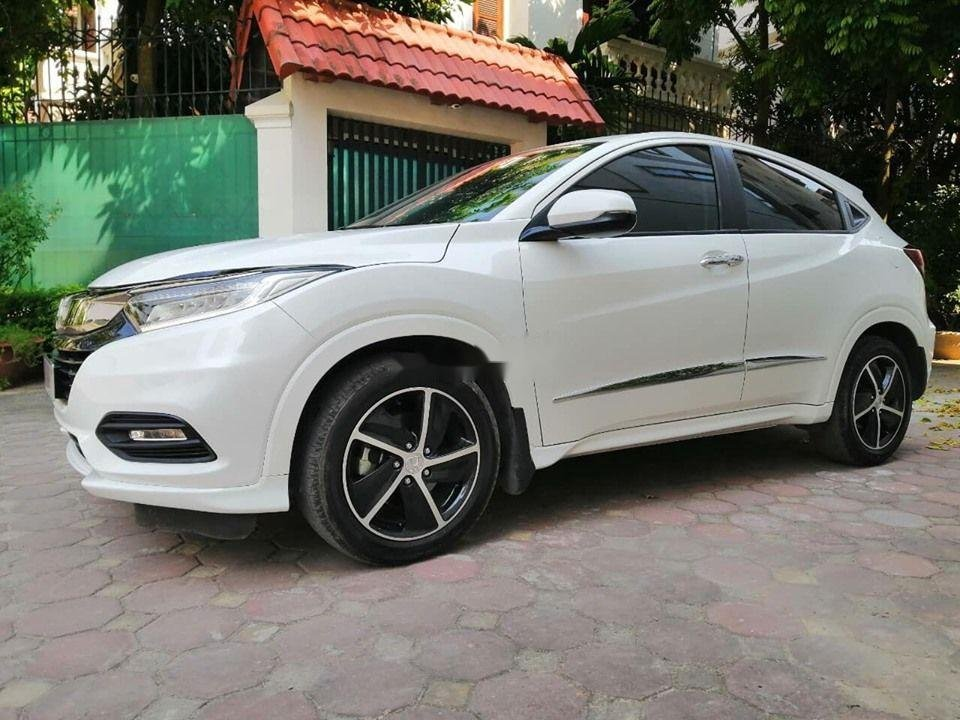 Cần bán Honda HR-V đời 2018 xe gia đình xe nguyên bản (5)