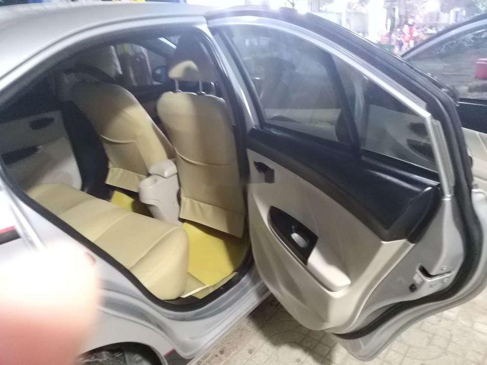Cần bán xe Toyota Vios đời 2014, màu bạc xe nguyên bản (4)