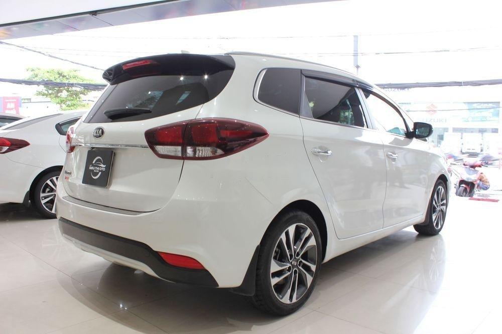 Cần bán Kia Rondo 2.0GAT sản xuất năm 2018, màu trắng (5)