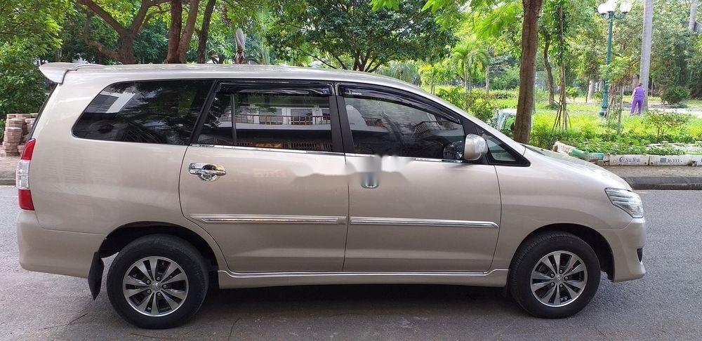 Bán xe Toyota Innova E sản xuất 2013 (7)