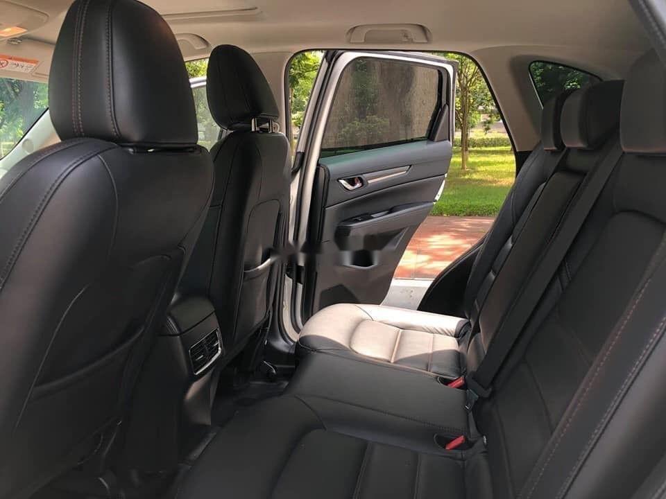 Cần bán xe Mazda CX 5 2.0 đời 2018, màu trắng xe gia đình (8)