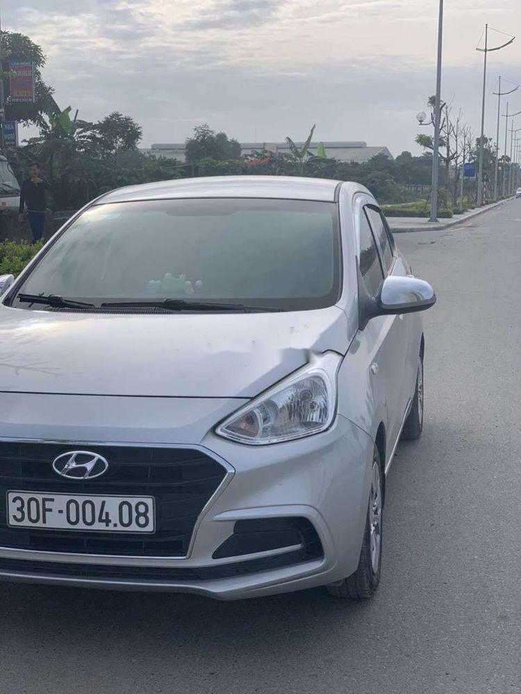 Cần bán Hyundai Grand i10 sản xuất năm 2017, màu bạc (4)
