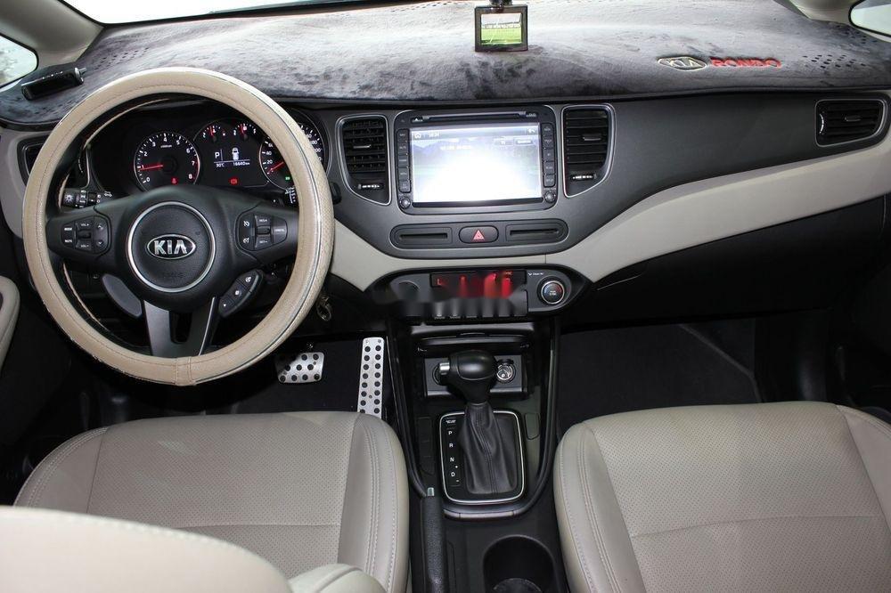 Cần bán Kia Rondo 2.0GAT sản xuất năm 2018, màu trắng (12)