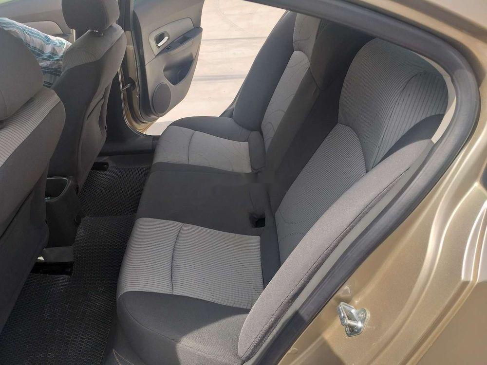 Bán Chevrolet Cruze năm sản xuất 2010 chính chủ, số sàn (5)