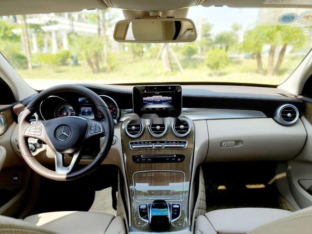 Bán Mercedes năm sản xuất 2016, màu đen xe nguyên bản (5)