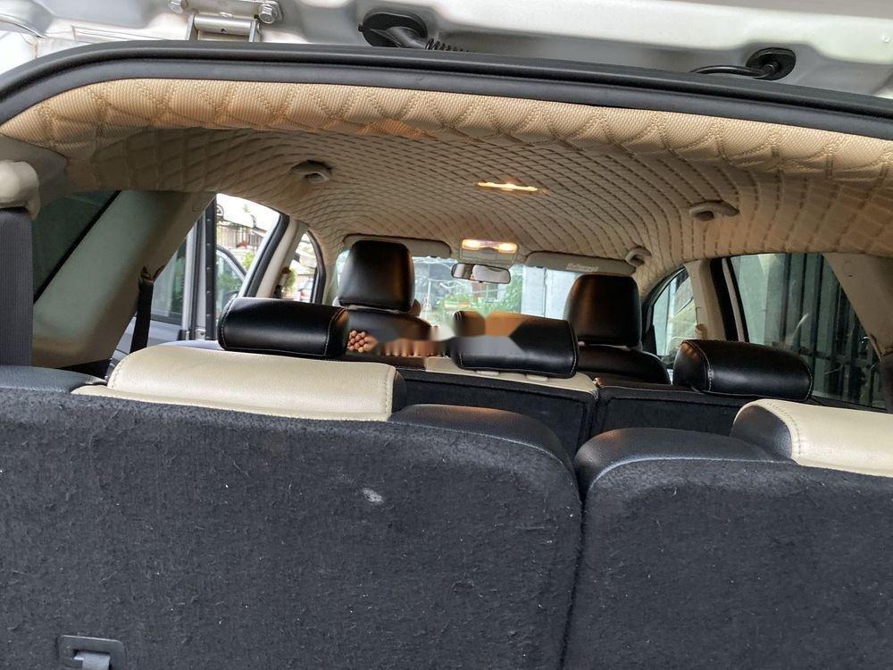 Cần bán Kia Rondo năm sản xuất 2017, màu bạc, nhập khẩu nguyên chiếc (9)