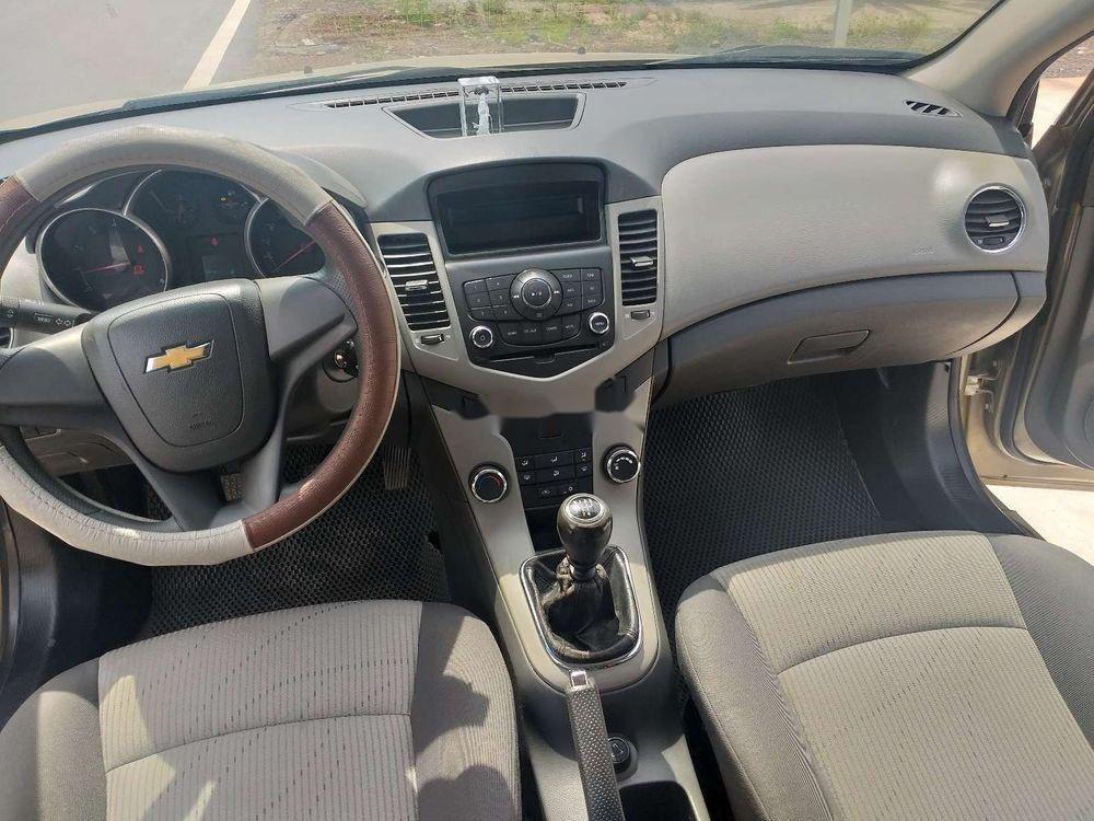 Bán Chevrolet Cruze năm sản xuất 2010 chính chủ, số sàn (7)