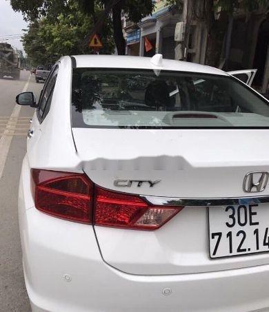 Cần bán Honda City sản xuất năm 2017, màu trắng (4)