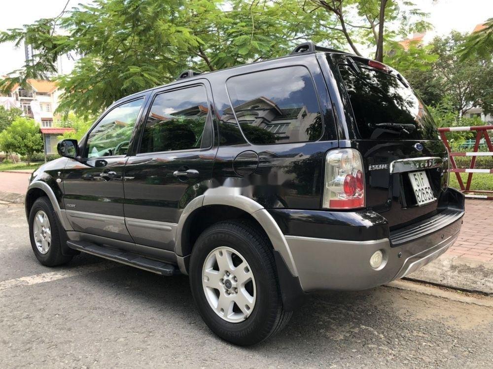 Cần bán gấp Ford Escape đời 2004, màu đen, giá tốt (11)